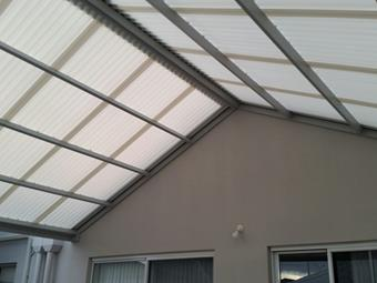 Gable patio in diffused ice polycarbonate and shale grey colourbond frame