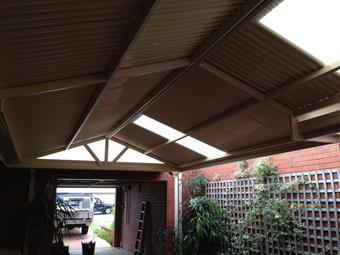 Gable patio with 2 polycarbonate skylights