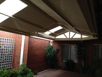 Gable patio with side setbacks