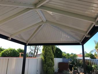 a hipend gable in cdek roofing