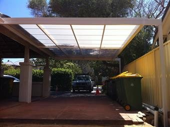flat multicell carport in diffused ice