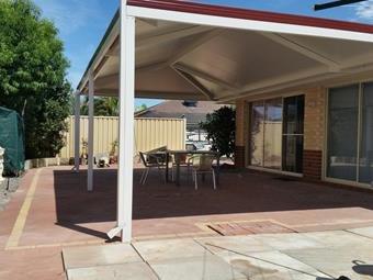 Hipend patio with Solarspan roof