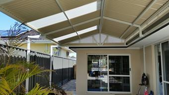 Gable patio with cut off truss
