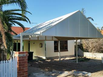Double carport with Sunlite endfills