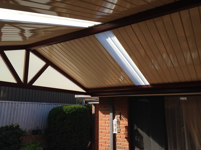 Gable Patio With Centenary Roofing Panel In A High Gloss Cream Finish.
