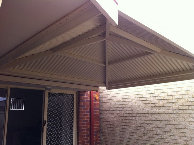 court yard pyramid in colorbond by great aussie patios