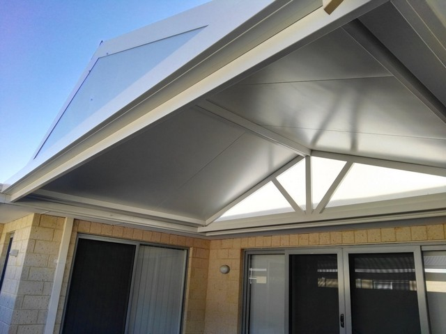 Court yard pergola ideas for your home great aussie patios for Skillion roof definition