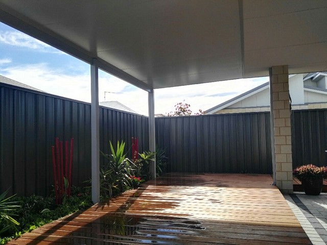 flat pergola in solarspan by great aussie patios